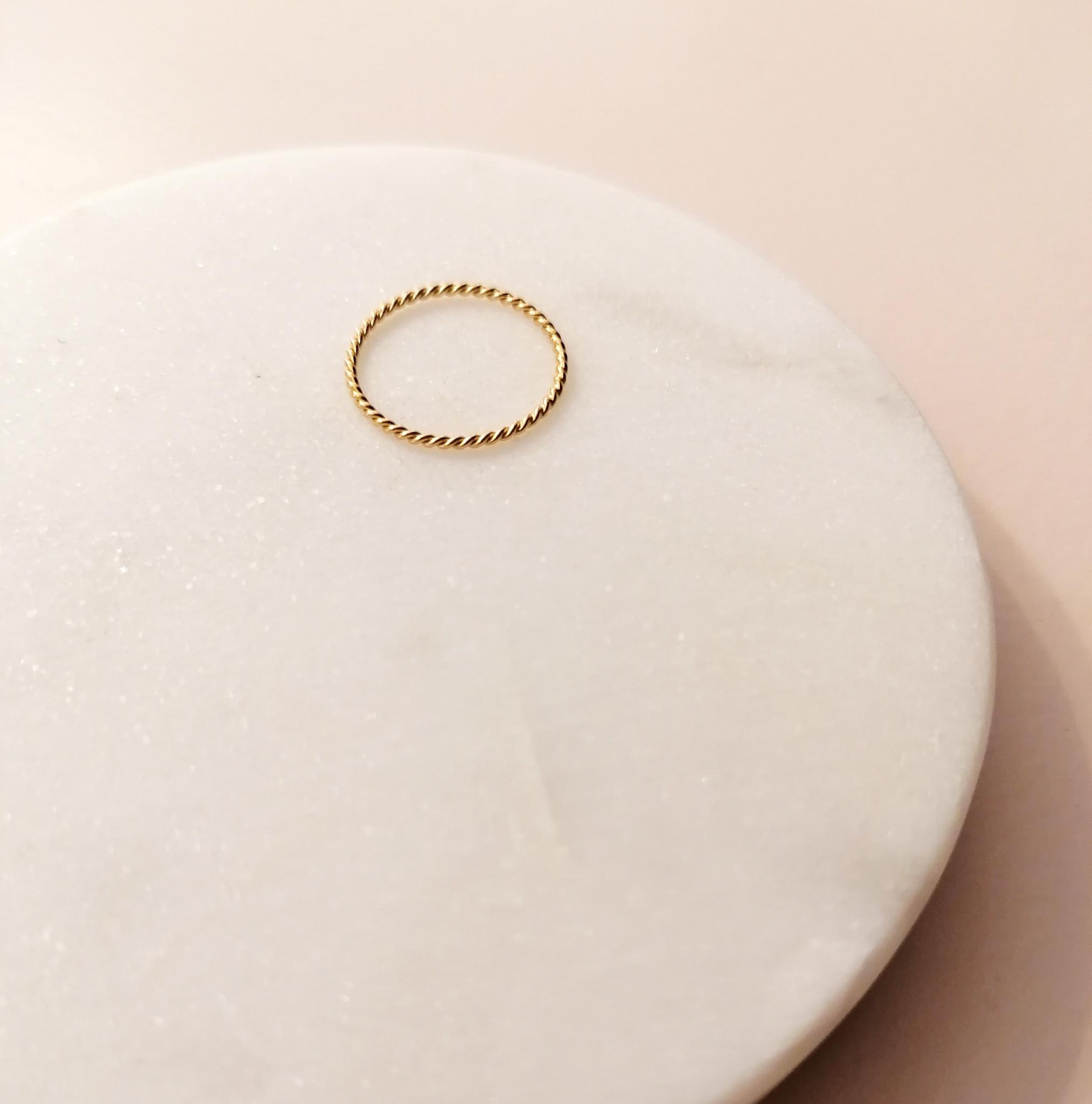 Fein geflochtener Ring aus 925er Sterling Silber - Gold-3