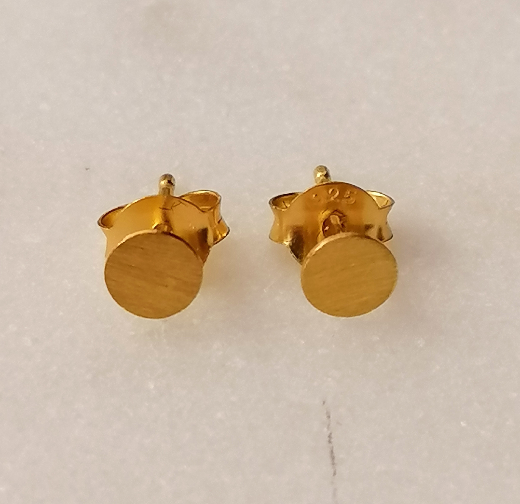 Zarter Ohrstecker rund aus 925er Sterling Silber - Gold doubliert matt-8