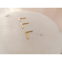 Delicate ear studs made of 925 sterling silver - gold