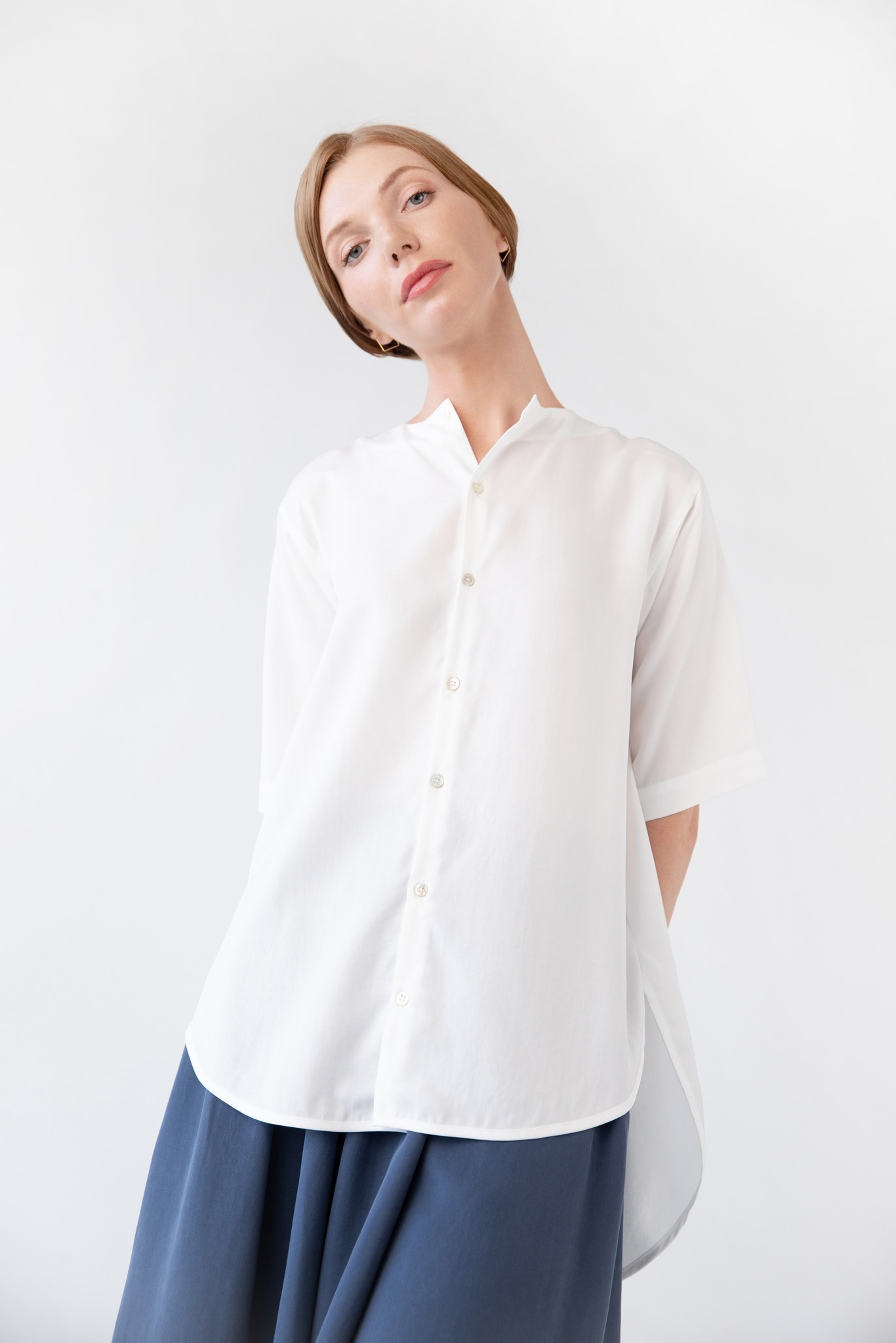 Blouse with rounded hem made of tencel - blue-1