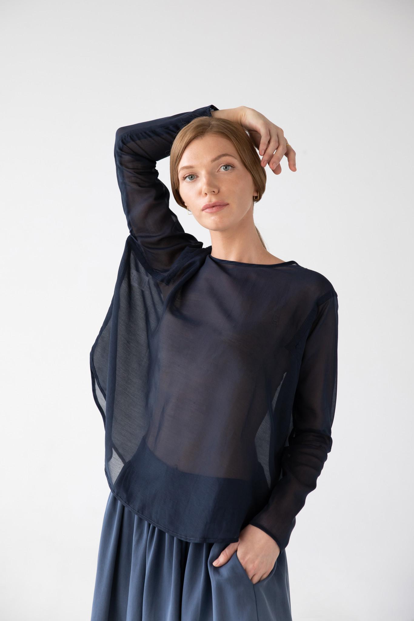 Shirt with round hem made of silk blend - blue-2