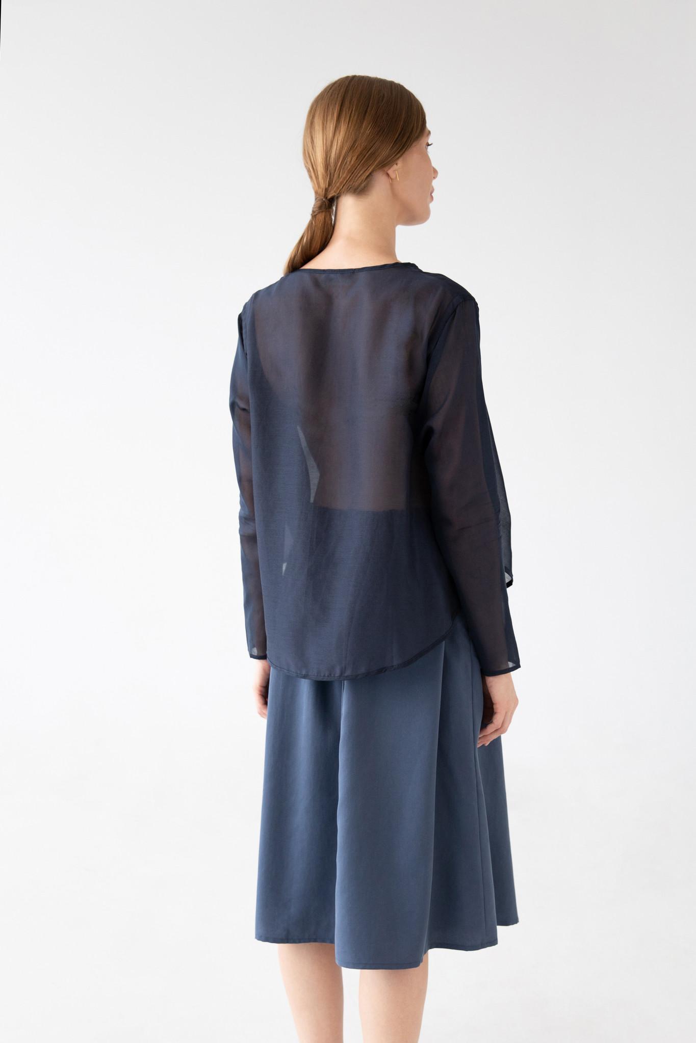 Shirt with round hem made of silk blend - blue-5
