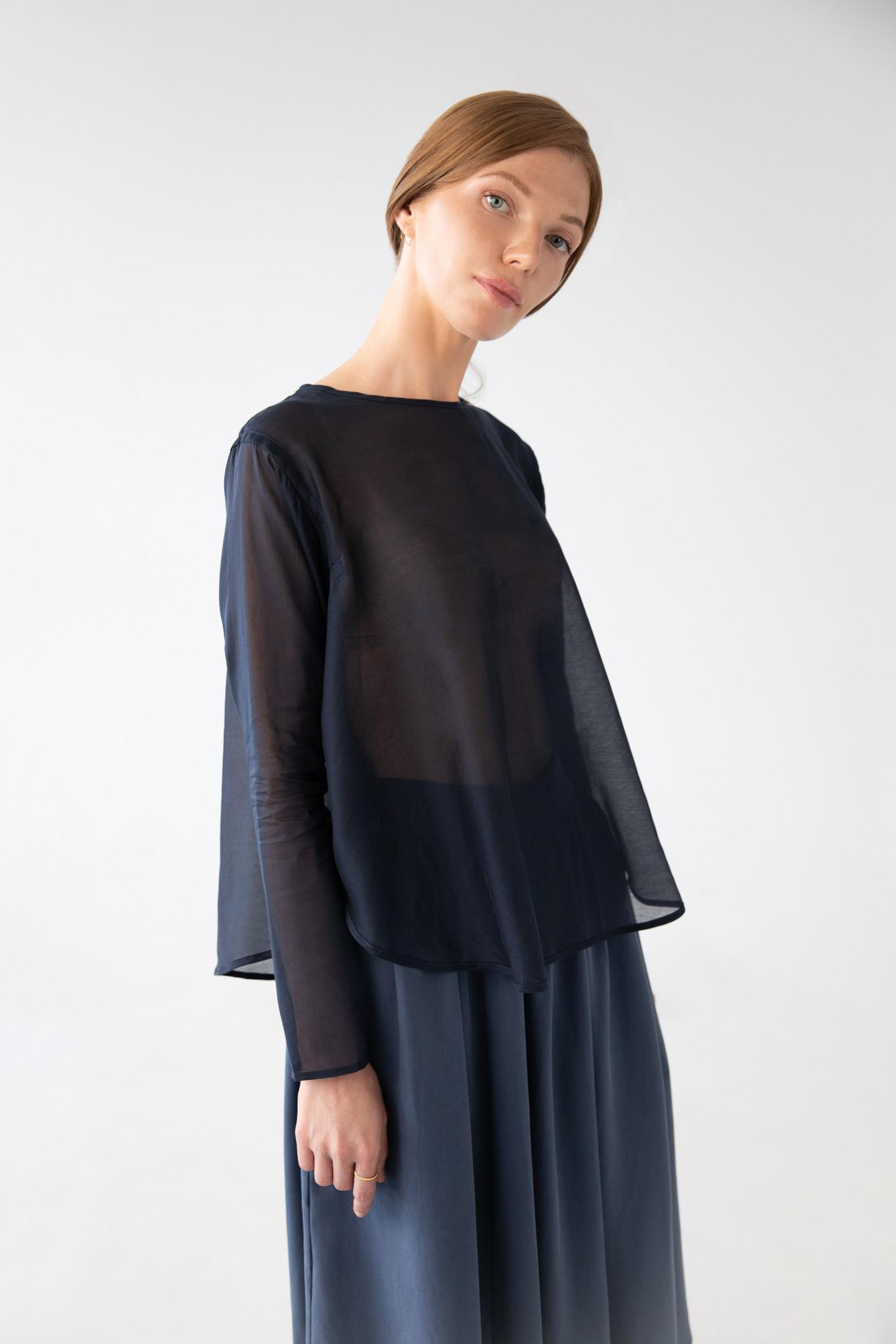 Shirt with round hem made of silk blend - blue-1