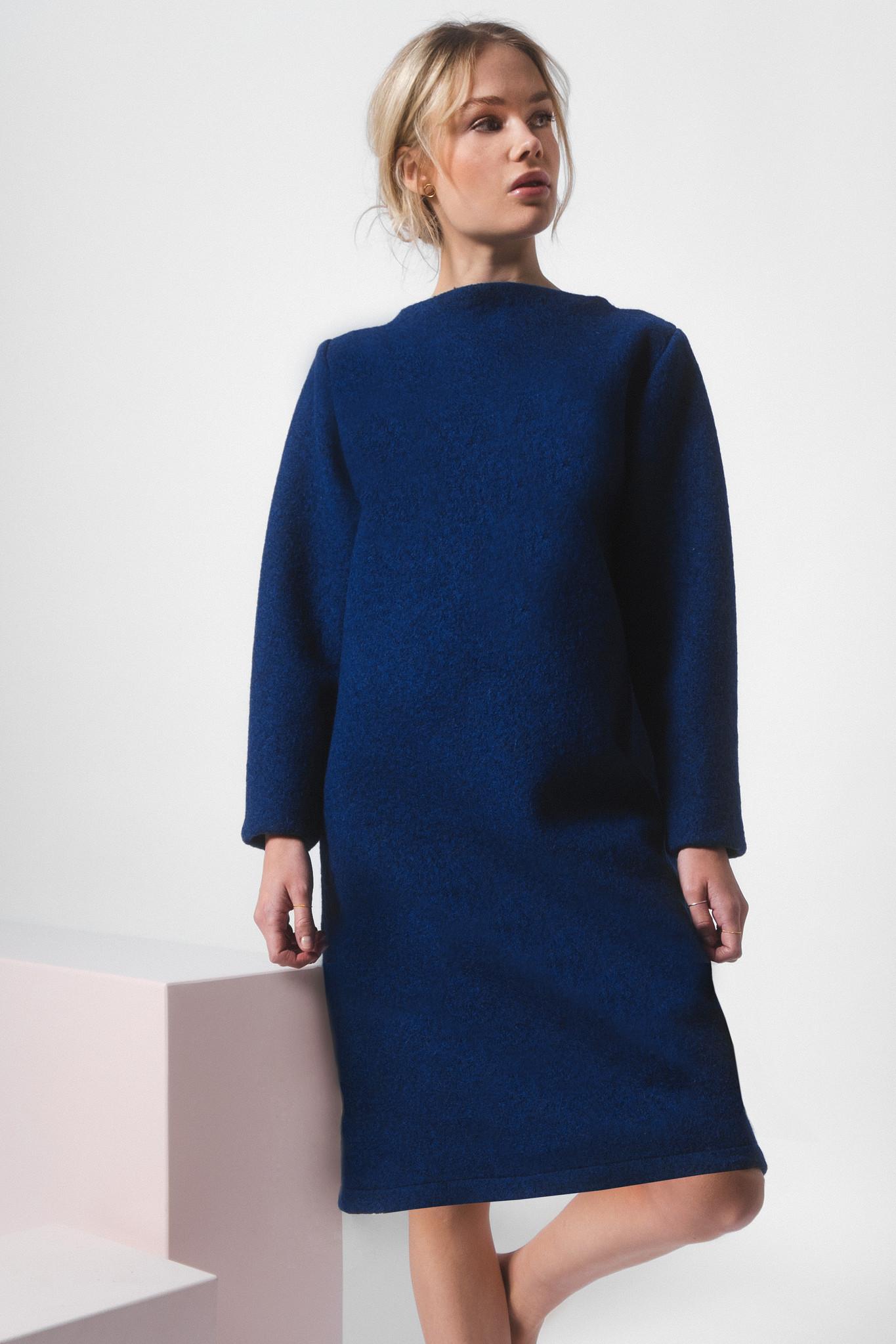 Kleid aus reiner Schurwolle - blau-2