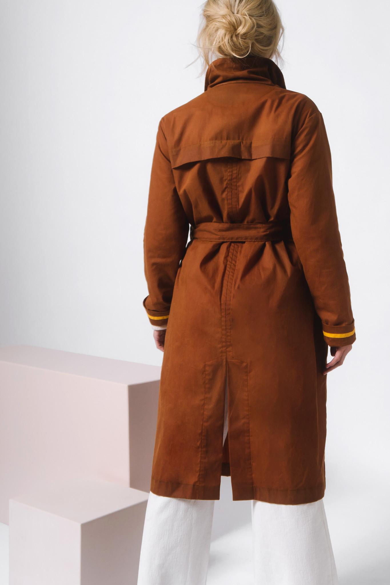 Mantel aus gewachster Bio-Baumwolle- Rostbraun-5