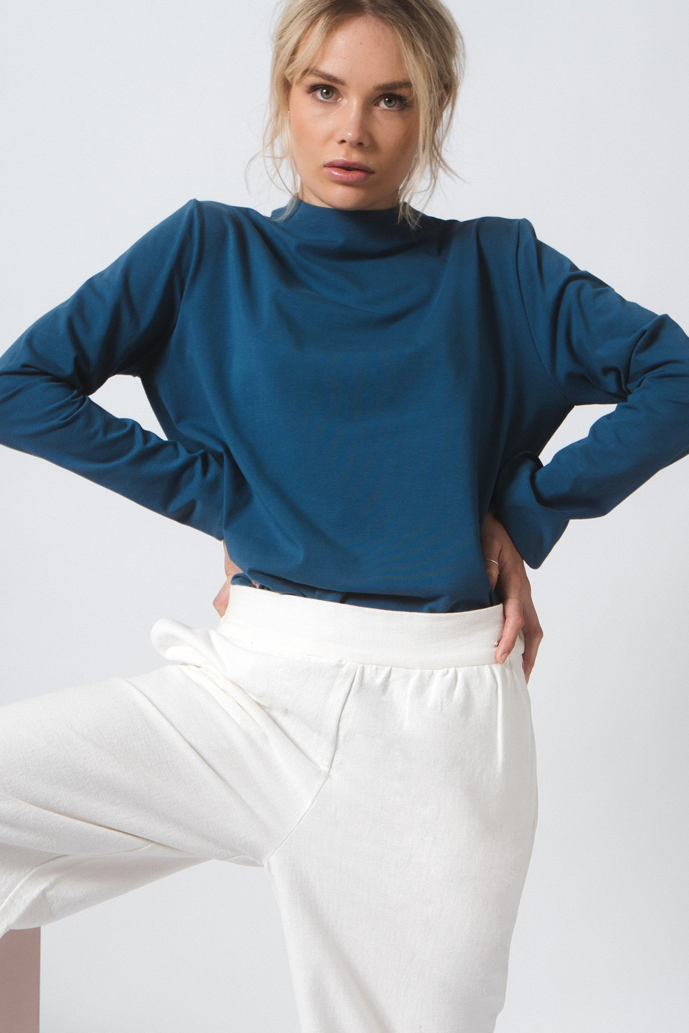 Shirt with back detail made of organic jersey - petrol-1