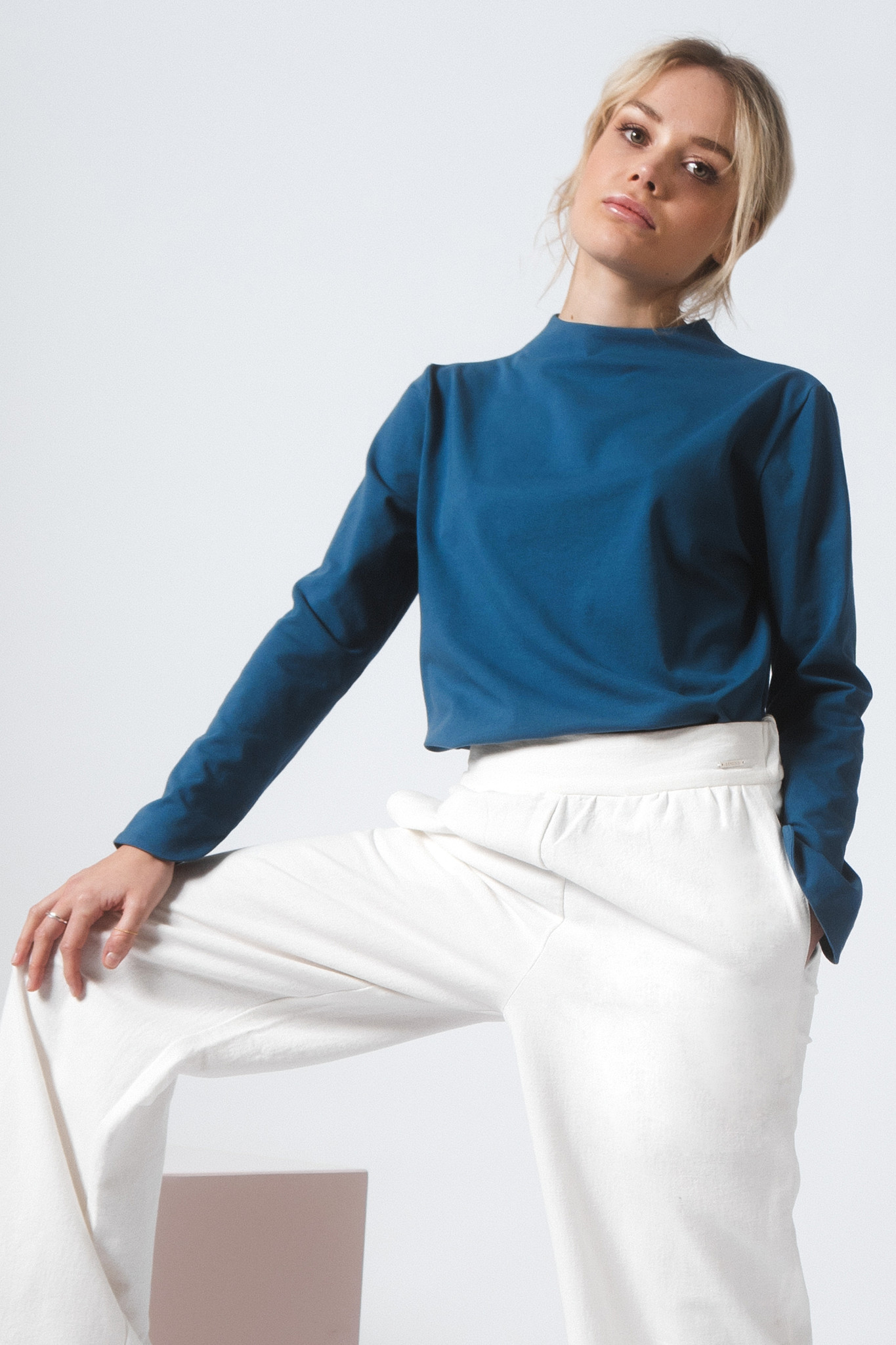 Shirt with back detail made of organic jersey - petrol-2