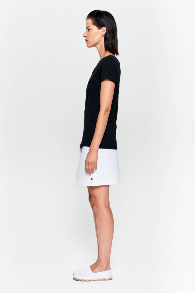 Basic T-shirt V-neck from organic cotton black-4