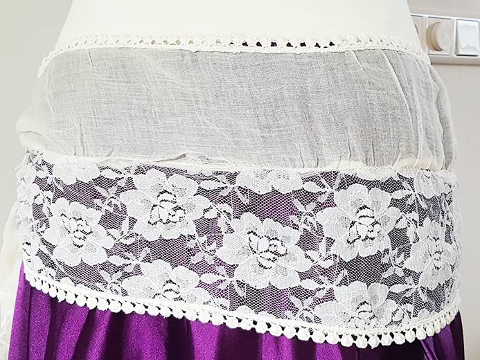 Hip scarf off white with lace
