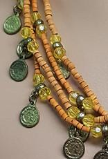 Kette mit orange Perlen und altmüntzen