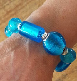 Bracelet with turquoise glass stones