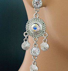 Earrings with clear rhinestones