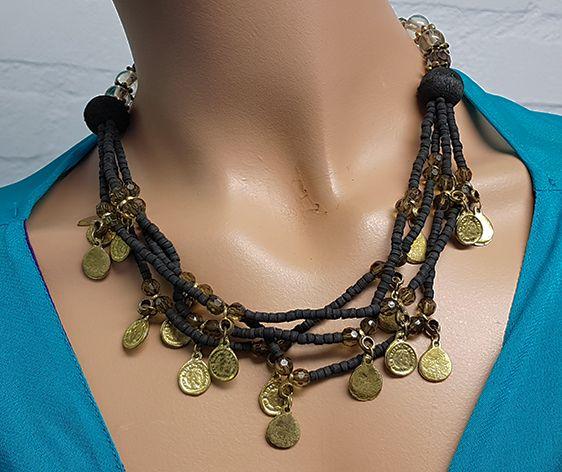 Kette mit schwarzen Perlen und Altmüntzen