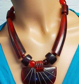 Bordeaux necklace