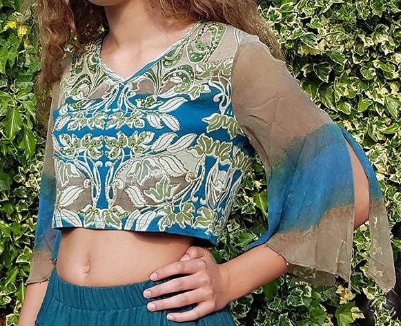 Sakkara Print-Shirt mit geschlitzten Ärmeln