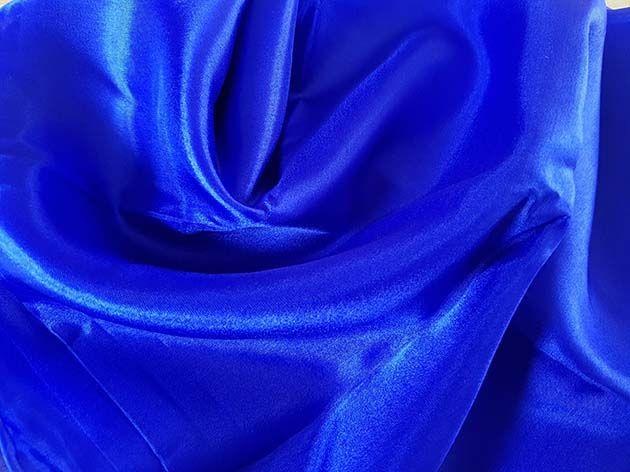 Sehr schöne Schleier in kornblumenblau
