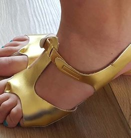Afro shoes in gold