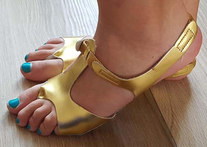 Afro-Sandalen in gold Grösse 42/43