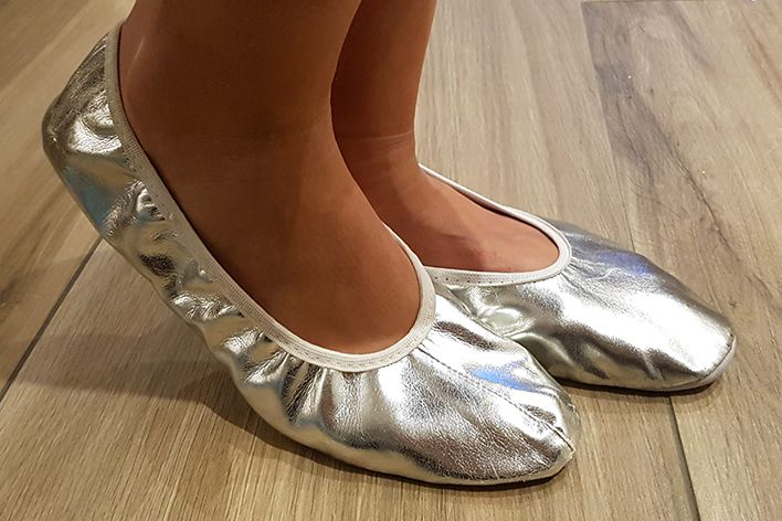 Dance shoes in silver