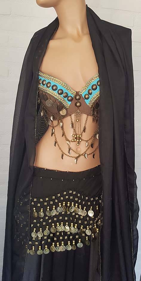 Chiffon hip scarf and halfround veil
