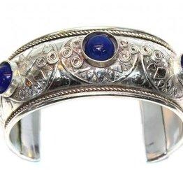 Sakkara Armreif, silber mit blauen Steinen