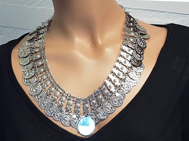 Halskette mit Spiegel und Münzen in silber