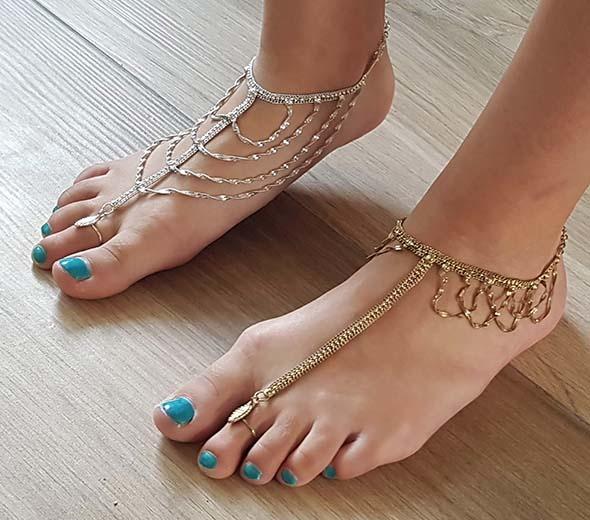 Ankle / foot bracelet with adjustable ring - gold