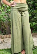 Yoga-Hose in olivgrün