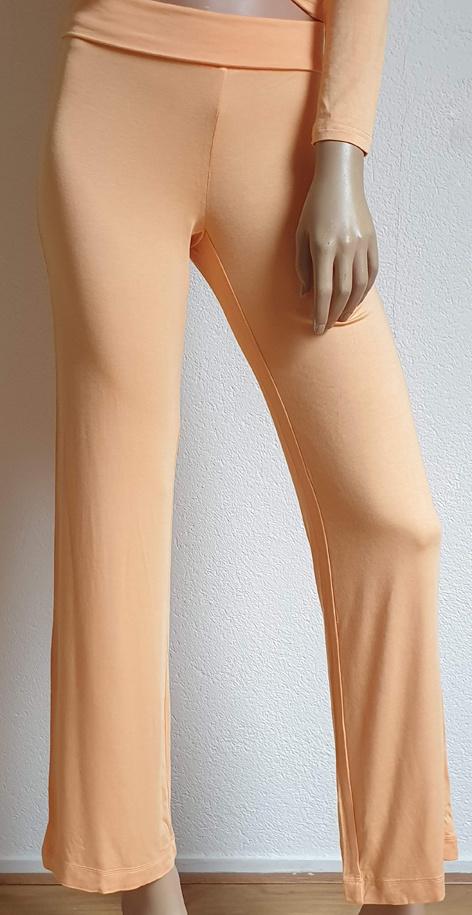Yoga pants peach