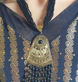 Kette mit Amulet und Ohrringe