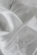 Sehr schöne Seidenschleier in weiß