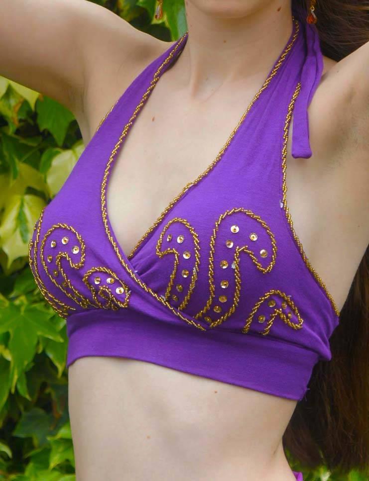 Bauchtanztop mit Goldperlen in lila