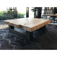Robuuste salontafel 90x90
