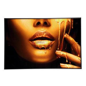 Gold women face
