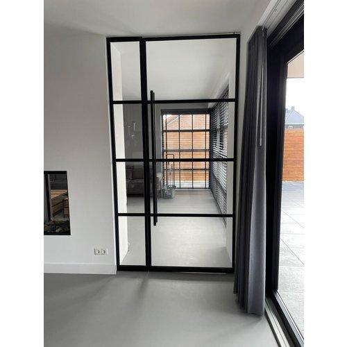 Maatwerk enkele taatsdeur met 2 smalle panelen