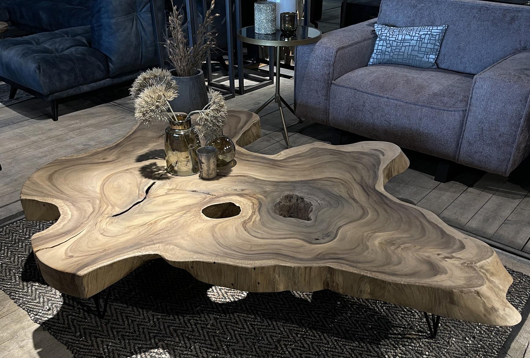 Met tafels van suar en mango hout is jouw interieur klaar voor de winter