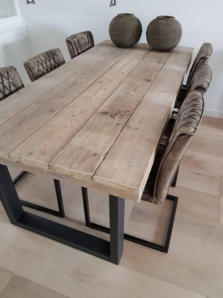 White Wash Eettafel Met Stoelen.Steigerhouten Eettafel Met Stalen U Frame Stalen Kokers 50x100mm