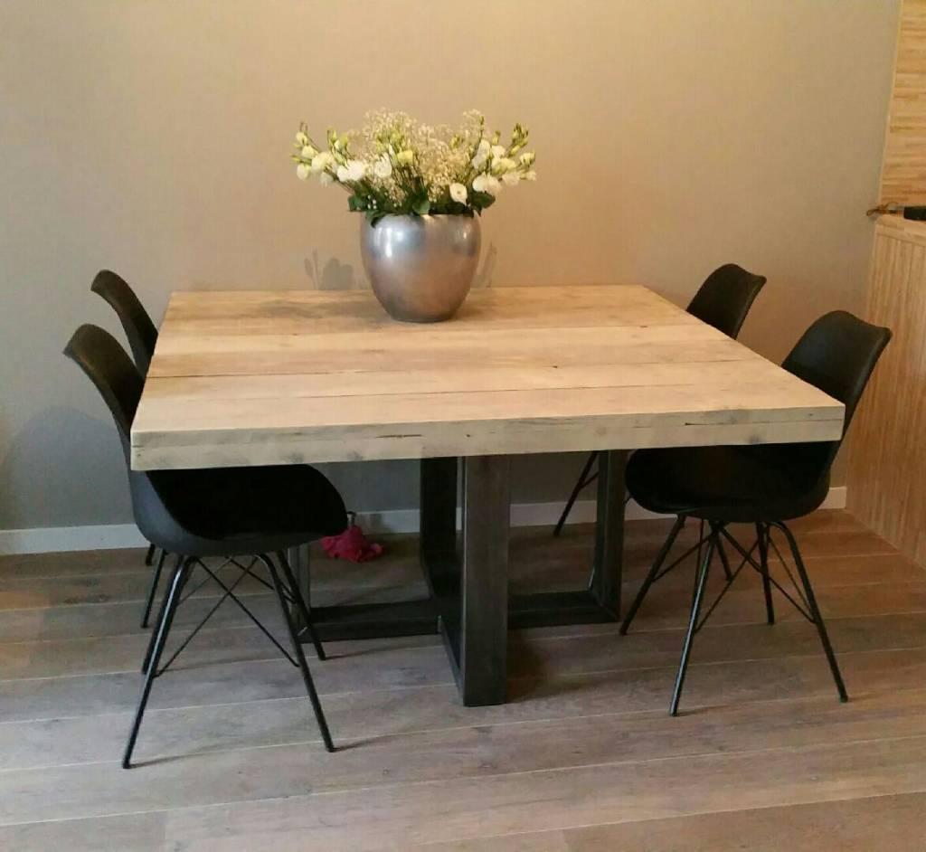 vierkante eettafel met stalen frame firma hout staal