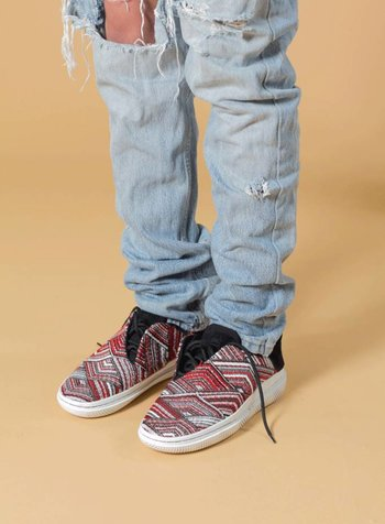 CLEAR WEATHER'S CONVX IN GEO RED WOVEN