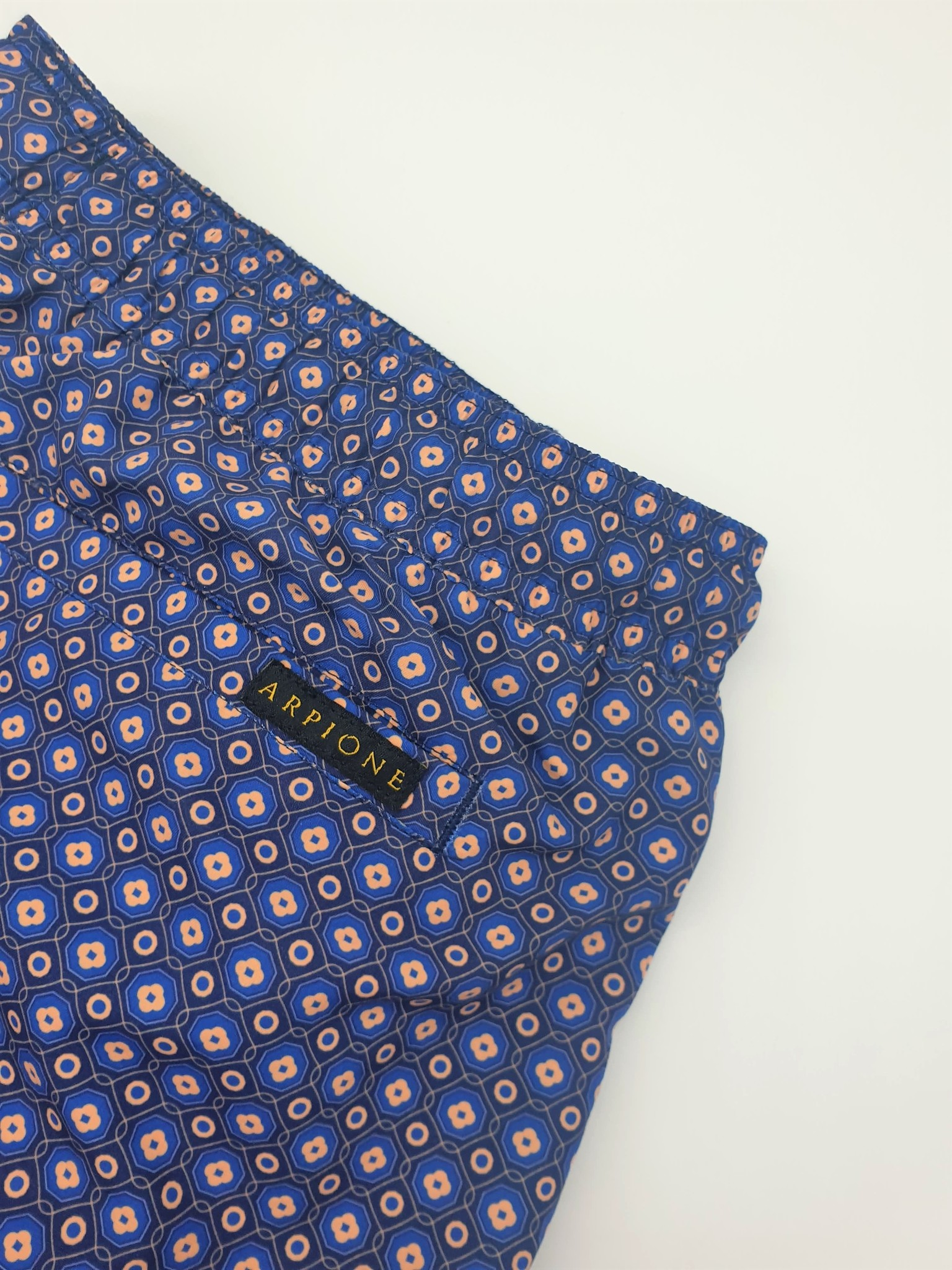 Arpione A mid-length swimshort for men      -
