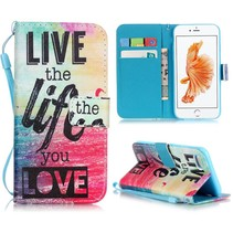 Live the Life you Love Bookcase Hoesje iPhone 7