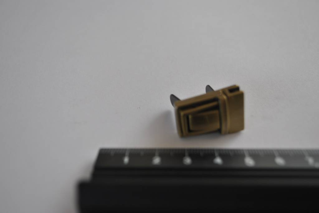 93014OPC-OTVE Tuc-sluiting klein brons