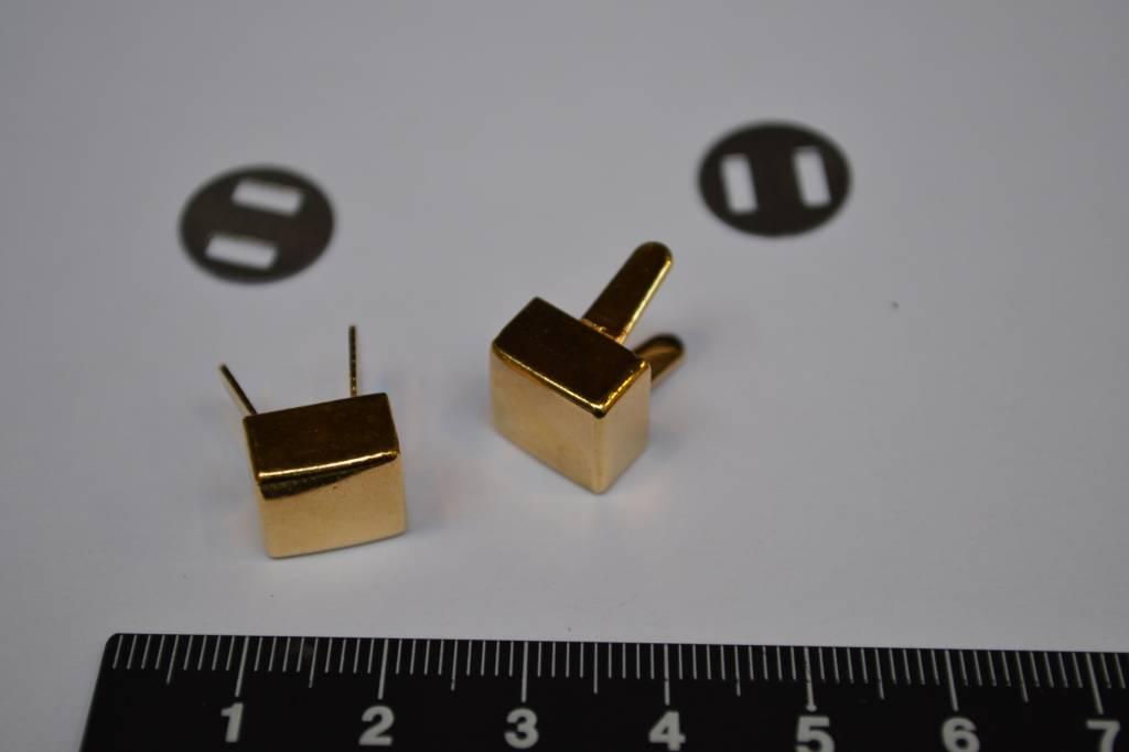 pootjes vierkant goud  (per 2)