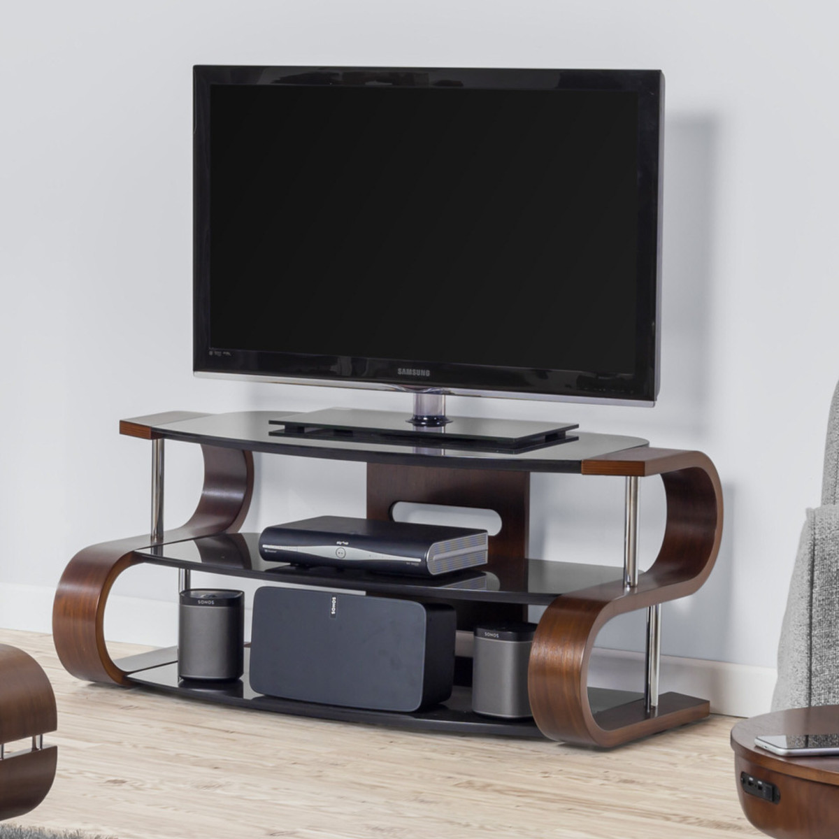 Hoek Tv Kast.Glazen Tv Kasten Bij Furnea Praktisch En Lekker Ruimtelijk