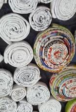Ausgefallene bunte und trendige Vase (36 cm) aus Recyclingpapier, handgefertigt