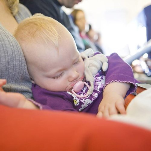 Reizen per vliegtuig met een baby