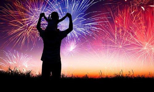 Hoe een kind te helpen de angst voor vuurwerk te overwinnen