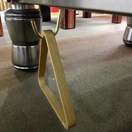 Triangels en balschalen Triangle hook. For hanging triangle on billiards