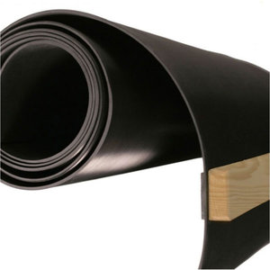 Rubber dart mat, various width. 300 cm with distance beam