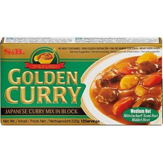 S&B Golden Curry Medium Hot 220g